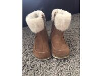 Girls clarks winter boots tan brown with fur