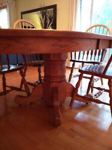 Solid Oak Dining Table and 6 chairs Gatineau Ottawa / Gatineau Area image 3