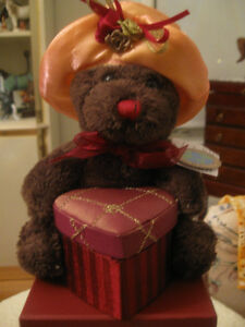 NEW ADORABLE MRS. TEDDY BEAR TRINKET-BOX