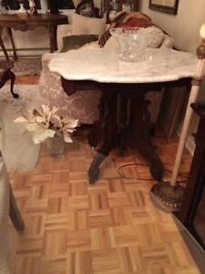 VICTORIAN EASTLAKE MARBLE TABLE MINT