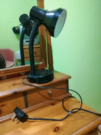 Black desk lamp can deliver