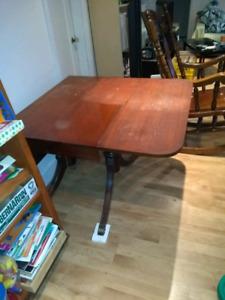 duncan phyfe table (drop leaf table)
