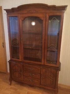 China cabinet buy and sell furniture in winnipeg for Dining room tables kijiji winnipeg