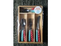 5x 16 piece cutlery sets