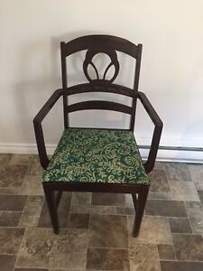 Vintage Solid wood chair West Island Greater Montréal image 1