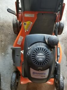 "21"" Power drive Husqhavarna  LAWN MOWER"