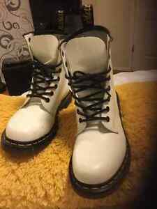 Dr Martens Womens Boots 1460 W White Smooth Leather Strathcona County Edmonton Area image 3