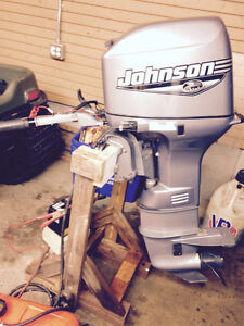 JOHNSON 25 HP 2 STROKE VERY QUIET!!! EVINRUDE TRARDE 35 20 40 50