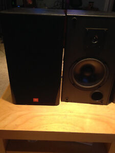 JBL MR26 bookshelf speakers