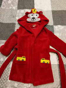2T house coat 3T Canada Track Suit