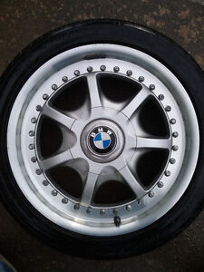 BMW 17 Inch Alloy Wheels (4) West Island Greater Montréal image 1