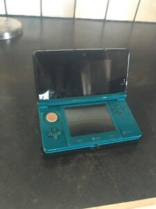 Teal 3DS w/ charger&stand