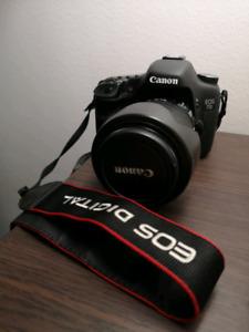 Caméra EOS 7d avec plusieurs accessoires