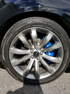 Chrysler 300s Mags and  tires
