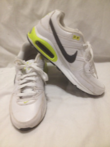 White Nike Air Max Commander Sneakers 41M (10ladies/8mens)