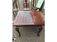 Lovely Extendable Dining Table and Four Chairs