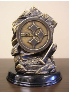 NFL Statue - Pittsburgh Steelers Lamp