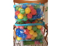 2 zip bags of 200 plastic balls for ball pit RRP £10