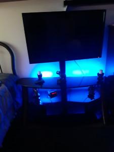 tv haier 42 pouce avec meuble  le meuble a une valeur de 300$