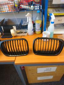 Bmw e46 4dr pre facelift grilles in black