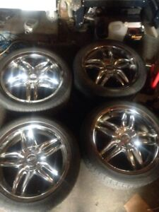 for sale 18'' chrome rims univerl 5x114.3 with tires $450 obo