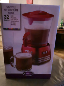 50's style got chocolate maker. Newberry been opened. Makes 32oz