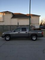 2007 Dodge Dakota SLT 4x4 - make an offer
