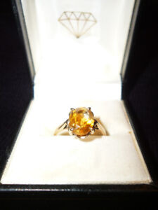 Woman's Citrine Ring