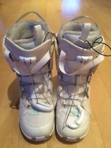 Snowboard 'Flow' & Salomon boot - sold together or separate Oakville / Halton Region Toronto (GTA) image 7