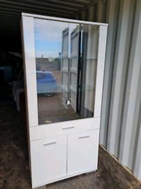 White gloss glass kitchen cabinet