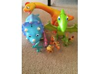 Dinosaur Train interactive dinosaurs and small figures