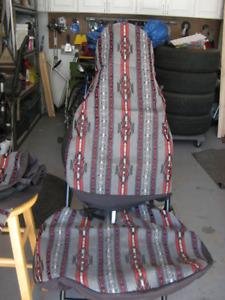 2 housses pour sièges baquets très propres