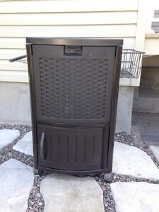 Suncast outdoor cooler.