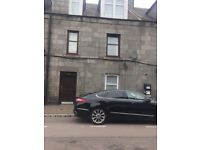 1 bedroom flat located just off George Street great access to city centre university etc. No deposit