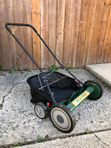 "Lee Valley 20"" Reel Mower with Grass Catcher $100OBRO"