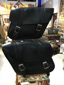 PAIR OF VINTAGE LEATHER SADDLE MOTORCYCLE SIDE BAGS