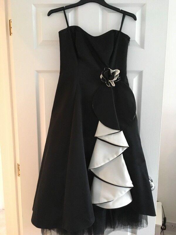 Ladies evening/prom dress