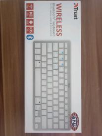 Trust Bluetooth Wireless Keyboard - Windows, Mac and Android