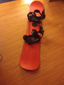 Snowboard with Sims bindings, good condition!