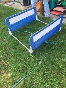 Kids double safety bed rails