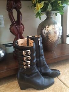 Ladies Icon motorcycle boots