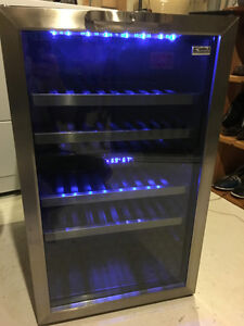 LIKE NEW KENMORE WINE COOLER - DUAL ZONE - BLUE LIGHTS