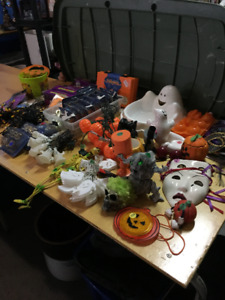 LOTS & LOTS  OF HALLOWEEN ITEMS
