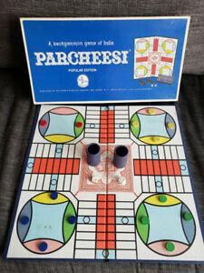 PARCHEESI- Vintage 1967 Backgammon board game of India -