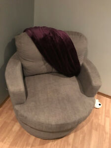 Swivel Sutton Chair