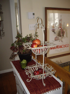 FRUIT STAND IN WROUGHT IRON