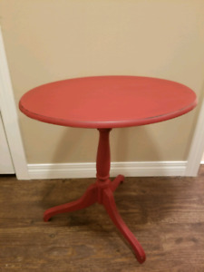 Rustic Farmhouse Red Flup Down Tripod Side Table