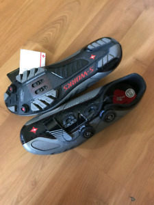 Brand New out of the box women Mountain shoes brand specialized