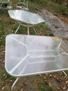 2 patio Tables for sale