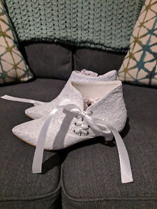 Perfect for a bride...brand new!!!!